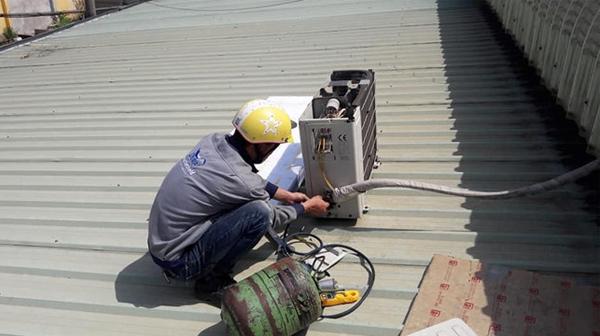 Những điều cần biết để tránh bị chặt chém khi thay gas điều hòa