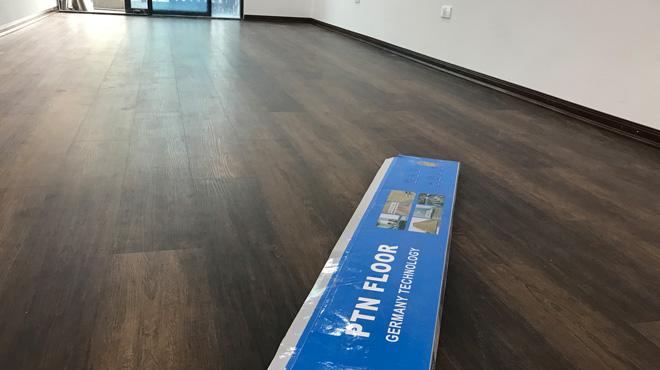 Sàn nhựa