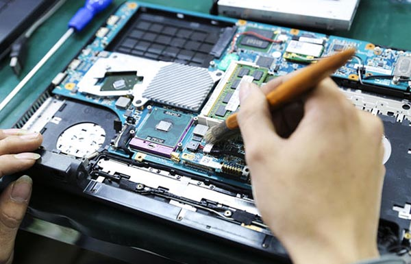 Vệ sinh laptop tại nhà Bắc Ninh