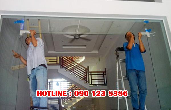 Sửa cửa kính cường lực tại Hà Nội