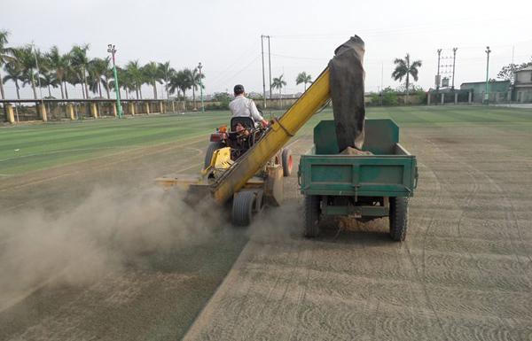 Sửa chữa, bảo dưỡng sân bóng cỏ nhân tạo