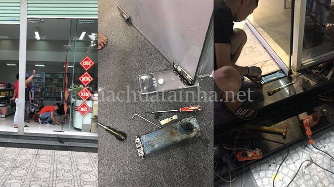 Sửa bản lề cửa kính tại Hà Nội